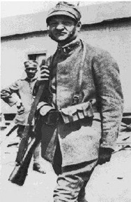 Giuseppe Ungaretti in Italian infantry uniform during World War 1. Image: Wikimedia.